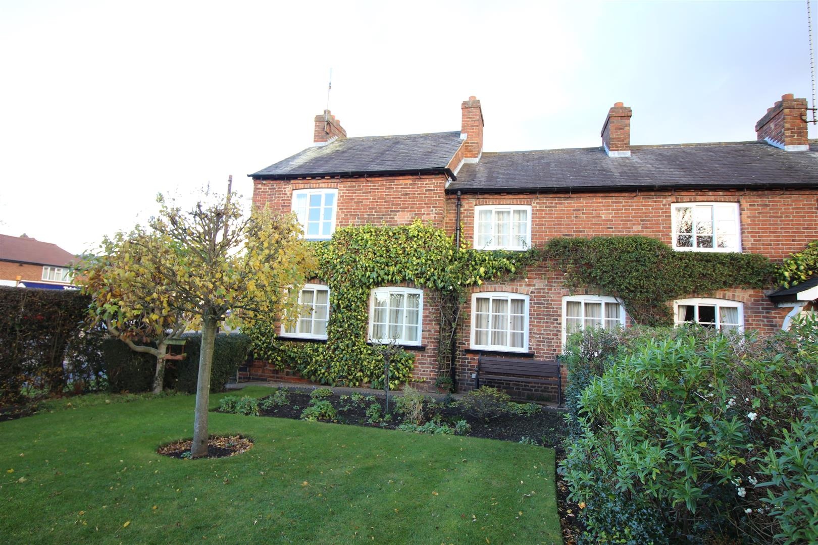 3 Bedrooms Semi Detached House for sale in Derby Road, Bramcote